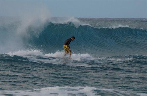 Polihale surfs up