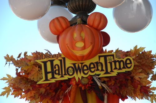 Halloween Disney Sign