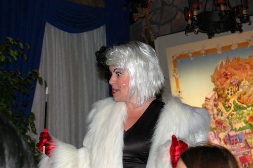 Halloween Disney Cruella
